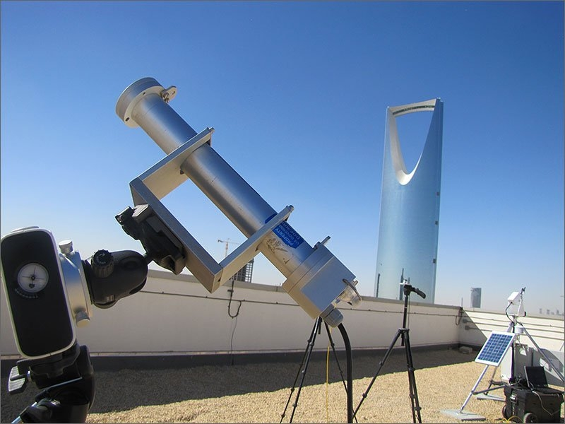 20130503 -2-large-saudi-arabia-looks-to-nrel-for-solar-monitoring-expertise.jpg